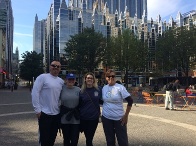 Happy runners after a tour of Downtown Pittsburgh